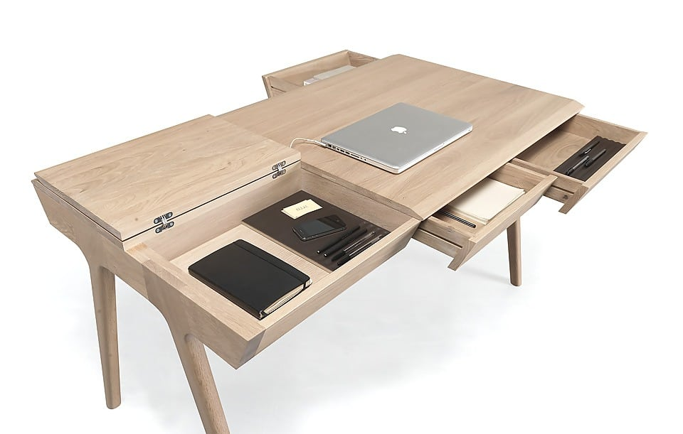 on a cherch un bureau camille victor. Black Bedroom Furniture Sets. Home Design Ideas
